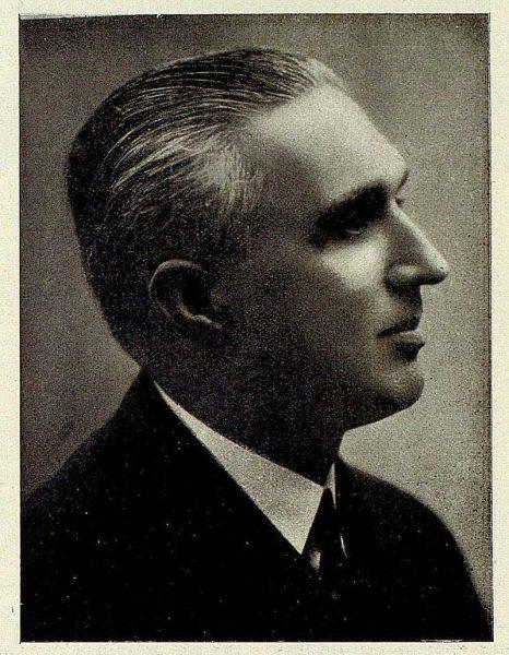 TRA-1927-240-Carlos Caamaño, empresario
