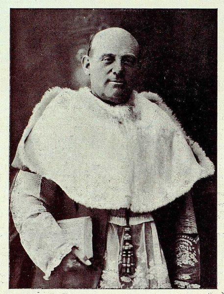 TRA-1927-242-Vidal Díaz Cordovés , canónigo obrero