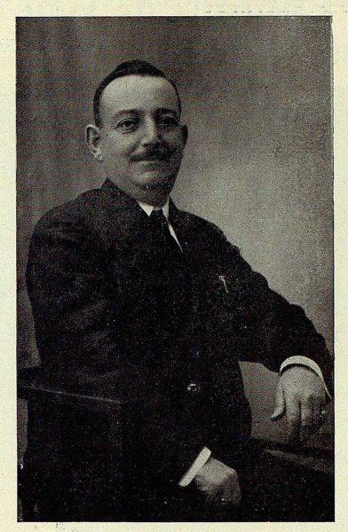 TRA-1927-244-Angel Conde, senador