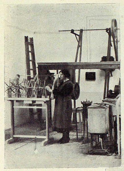 TRA-1927-246-Seda toledana, aprovechamiento de las pruebas-Foto Rodríguez