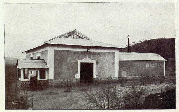 TRA-1927-246-Seda toledana, fachada de la filatura-Foto Rodríguez