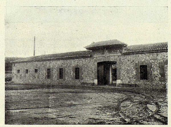 TRA-1927-247-Sericicultura toledana, granja de San Bernardo