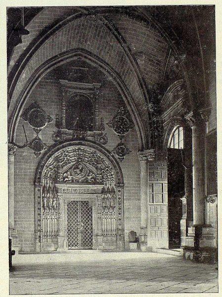 TRA-1927-248-Catedral, capilla del Tesoro, portada