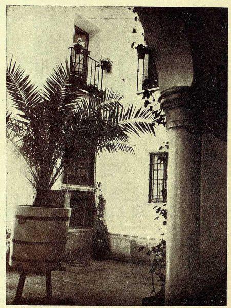 TRA-1928-259-Patio típico-01-Foto Rodríguez