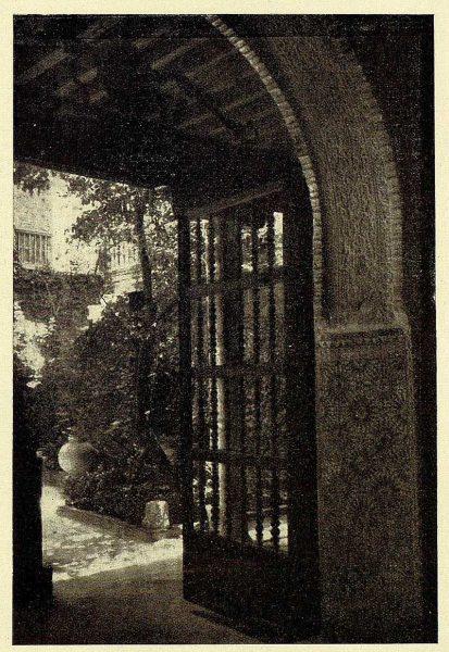TRA-1928-261-Patio típico-Foto Rodríguez