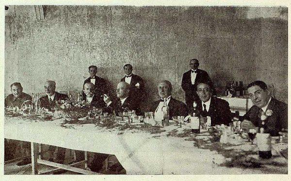 TRA-1929-269-Exposición Regional de Bellas Artes e Industrias, Sinagoga de Santa María la Blanca, banquete de honor-Foto Rodríguez