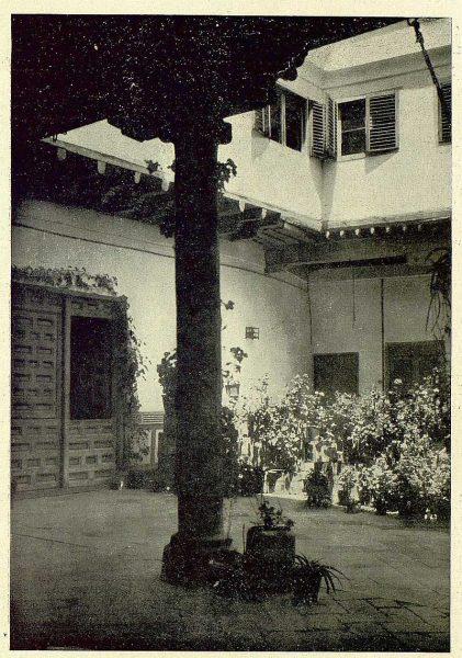 TRA-1930-279-Patio toledano-Foto Rodríguez