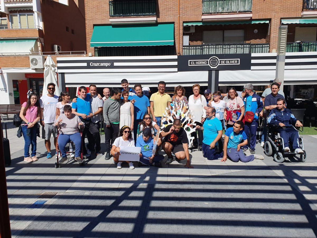 http://www.toledo.es/wp-content/uploads/2019/10/whatsapp-image-2019-10-02-at-13.38.02-1200x900.jpeg. El equipo de Gobierno participa en la iniciativa 'Dale la Vuelta', promovida por APACE en el marco del Día de la Parálisis Cerebral