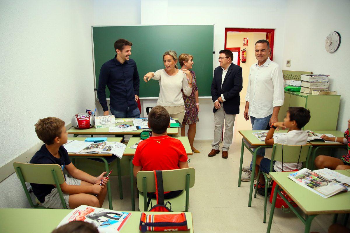https://www.toledo.es/wp-content/uploads/2019/10/whatsapp-image-2019-10-10-at-20.05.14-1-1200x800.jpeg. La alcaldesa supervisa las obras acometidas en las instalaciones de la Escuela Municipal de Idiomas por importe de 60.000 euros