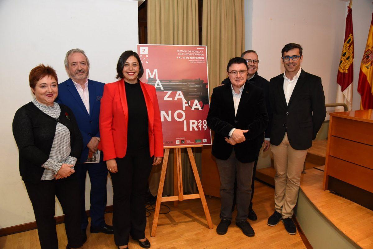 https://www.toledo.es/wp-content/uploads/2019/11/01-inauguracion-ii-mazapanoir-1200x801.jpg. El Ayuntamiento participa en la inauguración de 'Mazapanoir' que cuenta con la colaboración del Cineclub Municipal