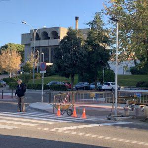 l Ayuntamiento inicia las obras de instalación de semáforos para regular dos pasos de peatones en la calle Río Alberche