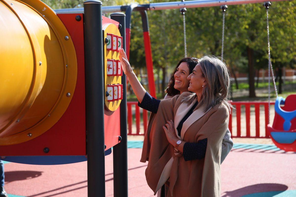 http://www.toledo.es/wp-content/uploads/2019/11/14_parque_olmos-1200x800.jpg. La alcaldesa de Toledo visita la nueva zona infantil de Azucaica, comprometida con los vecinos del barrio