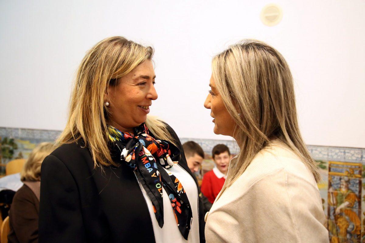 http://www.toledo.es/wp-content/uploads/2019/11/1_pleno_municipal-1200x800.jpg. La alcaldesa da la bienvenida a la nueva representante de Vox y espera que su labor sea constructiva por el bien de la ciudad