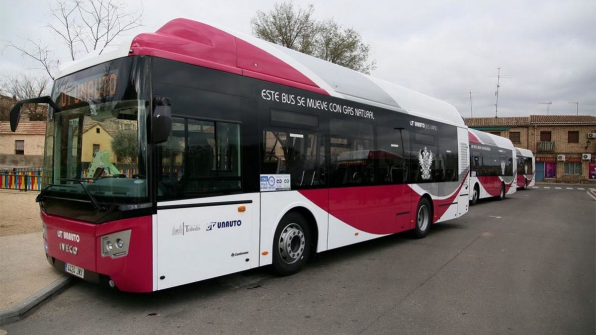 http://www.toledo.es/wp-content/uploads/2019/11/bus-copia-1199x674.jpg. Nuevas medidas en las líneas de autobuses desde el día 7 a favor de la sostenibilidad y la conservación del patrimonio en el Casco