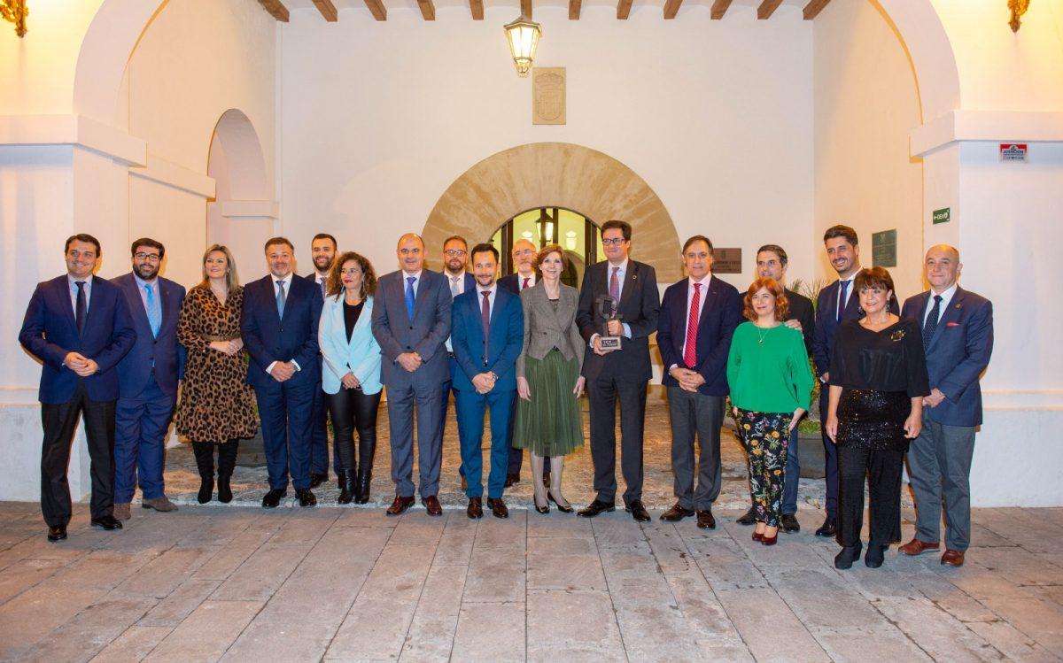 http://www.toledo.es/wp-content/uploads/2019/11/gl151119001-4-1200x749.jpg. El Grupo de Ciudades Patrimonio de la Humanidad entrega en Ibiza el Premio Patrimonio del año 2019 a Paradores de Turismo