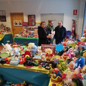l Ayuntamiento apoya el Rastrillo Solidario de Escuelas para el Mundo que acoge el Colegio de Nuestra Señora de los Infantes