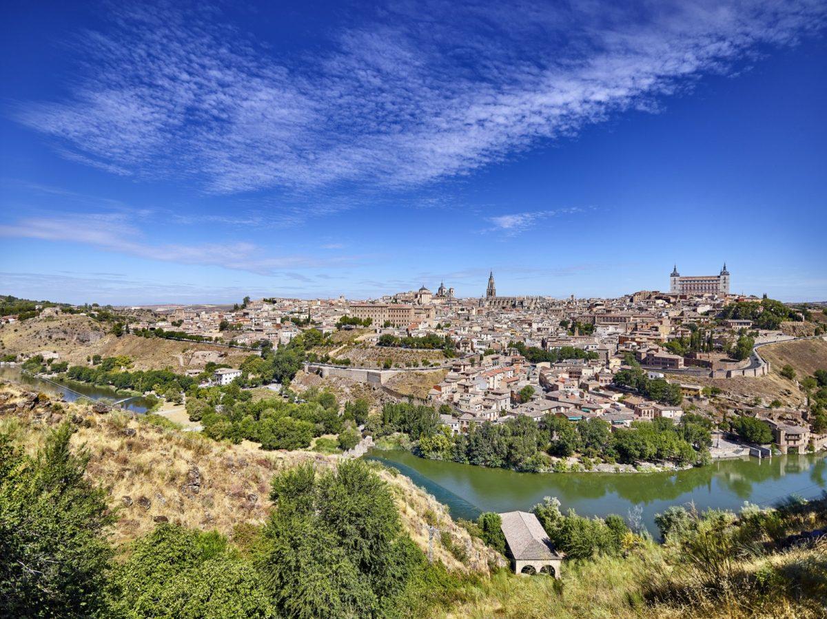 http://www.toledo.es/wp-content/uploads/2019/11/toledo-vista-dia1-1200x899.jpg. Toledo como destino turístico llega a la feria más importante de Inglaterra junto al Grupo Ciudades Patrimonio de la Humanidad