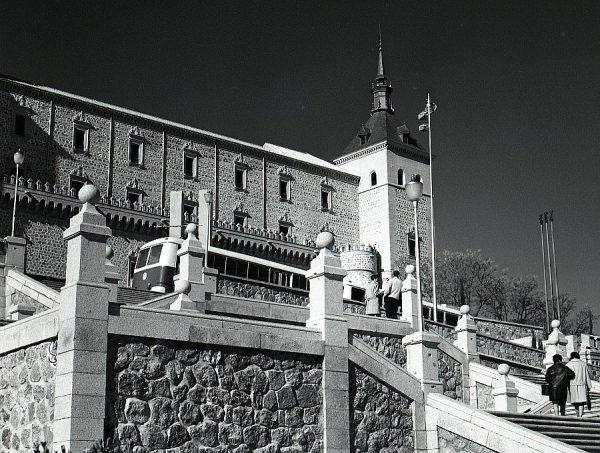 003-AKE_062_Vista del Alcázar desde sus jardines