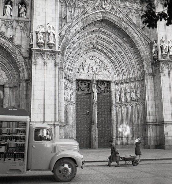 022-AKE_071_Puerta del Perdón de la Catedral