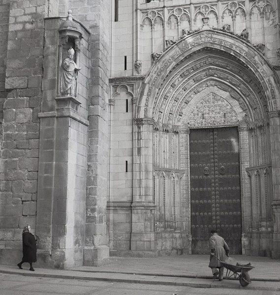 024-AKE_074_Puerta de la Torre de la Catedral