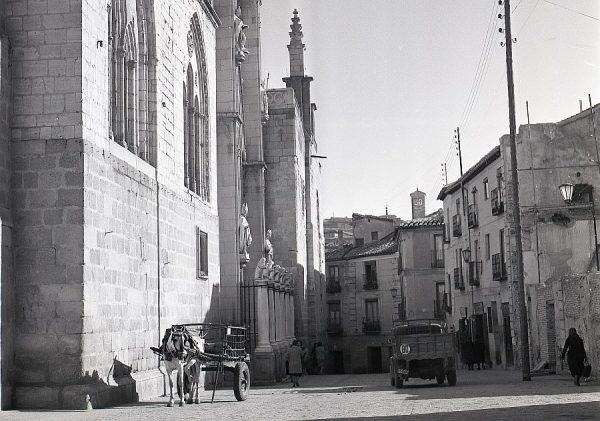 036-AKE_106_Calle Cardenal Cisneros, junto a la Puerta Llana
