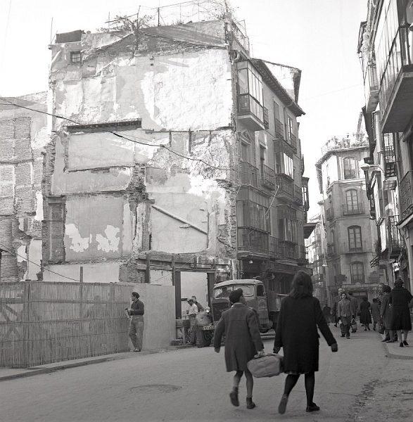 092-AKE_069_Calle Comercio