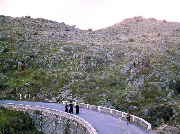 109-AKE_009_Paseo por la carretera de Circunvalación