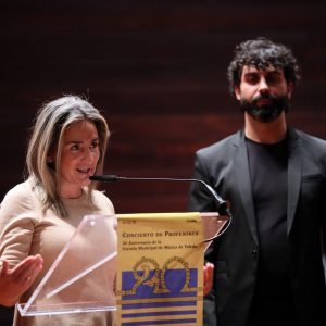 a alcaldesa felicita a la Escuela Municipal de Música por su XX Aniversario que pronto contará con enseñanzas escénicas