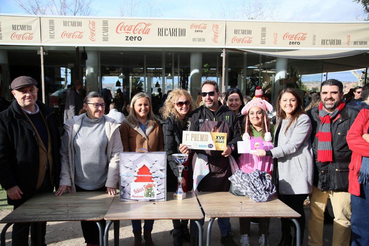 http://www.toledo.es/wp-content/uploads/2019/12/11_concurso_migas-1200x800.jpg. El Concurso de Migas de Navidad organizado por el Ayuntamiento vuelve a reunir a decenas de personas en el paseo de Recaredo