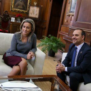 ilagros Tolón destaca en la visita del presidente de las Cortes la colaboración institucional como herramienta esencial para la igualdad