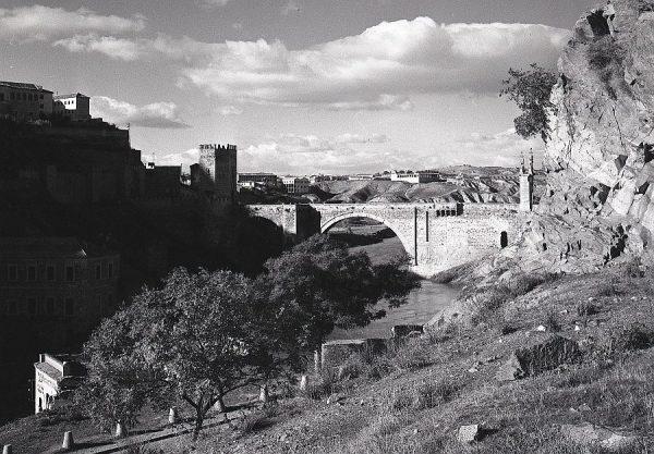 132-AKE_068_Vista del puente de Alcántara