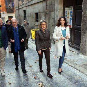 ilagros Tolón anuncia 1,5 millones de euros para obras en el Casco Histórico en la visita a la mejora de la calle Navarro Ledesma