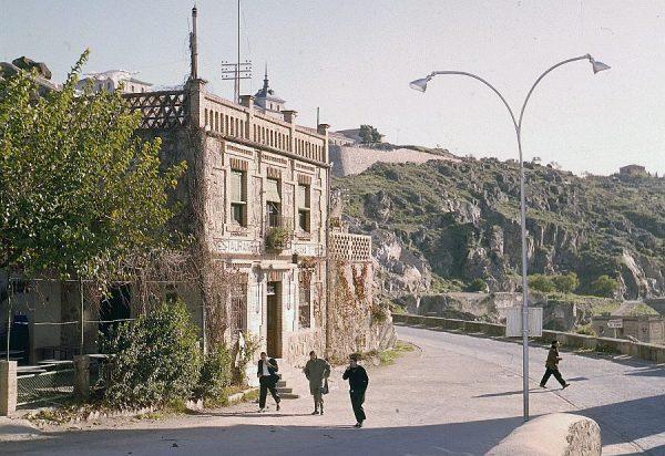 156-AKE_036_Restaurante La Cubana desde la subida al castillo de San Servando