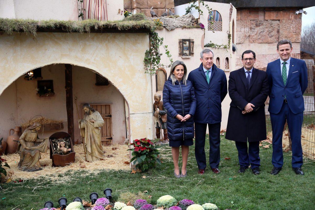 http://www.toledo.es/wp-content/uploads/2019/12/5_belen_caja_rural-1200x800.jpg. La alcaldesa inaugura el Belén de Eurocaja Rural y destaca su capacidad para reactivar el comercio en el barrio de Santa Teresa