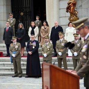 ilagros Tolón celebra a la patrona de Infantería en la Academia y asiste al acto castrense junto a ediles de la Corporación municipal