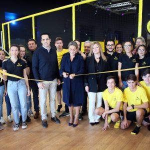 a alcaldesa respalda la apertura de un nuevo establecimiento con el que el Parque Comercial Abadía amplía su oferta de ocio
