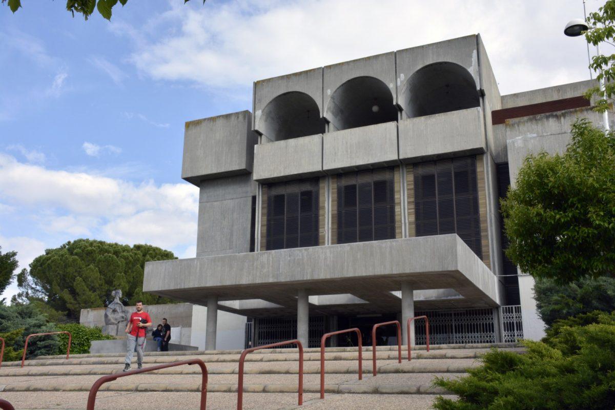 http://www.toledo.es/wp-content/uploads/2019/12/biblioteca_poligono-1200x800.jpg. La Biblioteca del Polígono cerrará el lunes 16 por obras de reforma y retomará su actividad en el centro social a partir del jueves 26