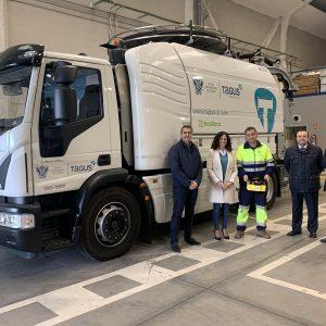 a flota de vehículos del Servicio de Agua y Saneamiento incorpora un camión de alcantarillado y una nueva retroexcavadora