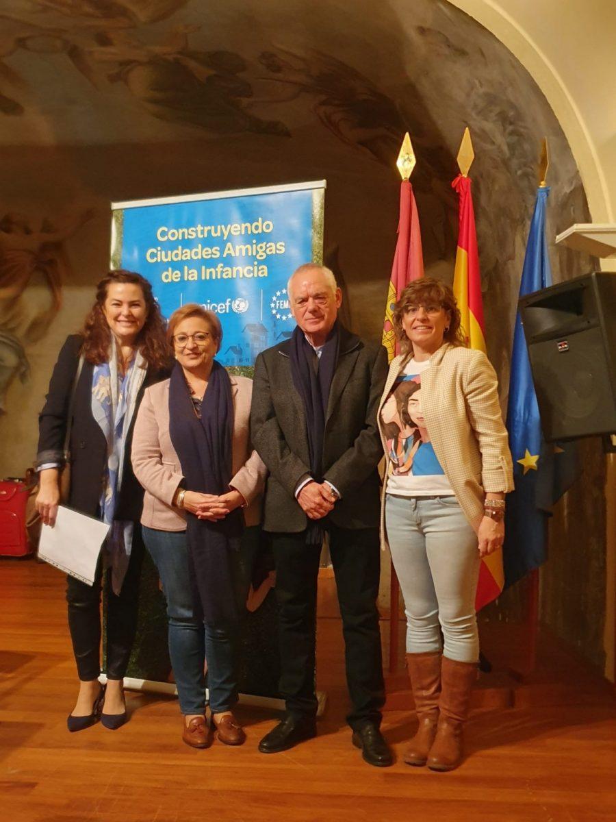 http://www.toledo.es/wp-content/uploads/2019/12/encuentro_unicef-01-900x1200.jpg. El Ayuntamiento se suma al I Encuentro autonómico de Consejos de Infancia organizado en Toledo por UNICEF