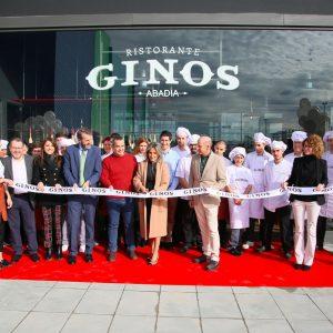 ilagros Tolón inaugura el segundo restaurante Ginos que abre sus puertas desde este miércoles en el Centro Comercial Abadía