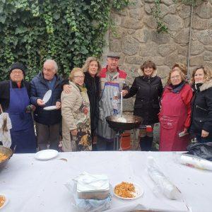 l Centro de Mayores del Casco Histórico celebra sus tradicionales migas navideñas y recibe la visita del Gobierno municipal