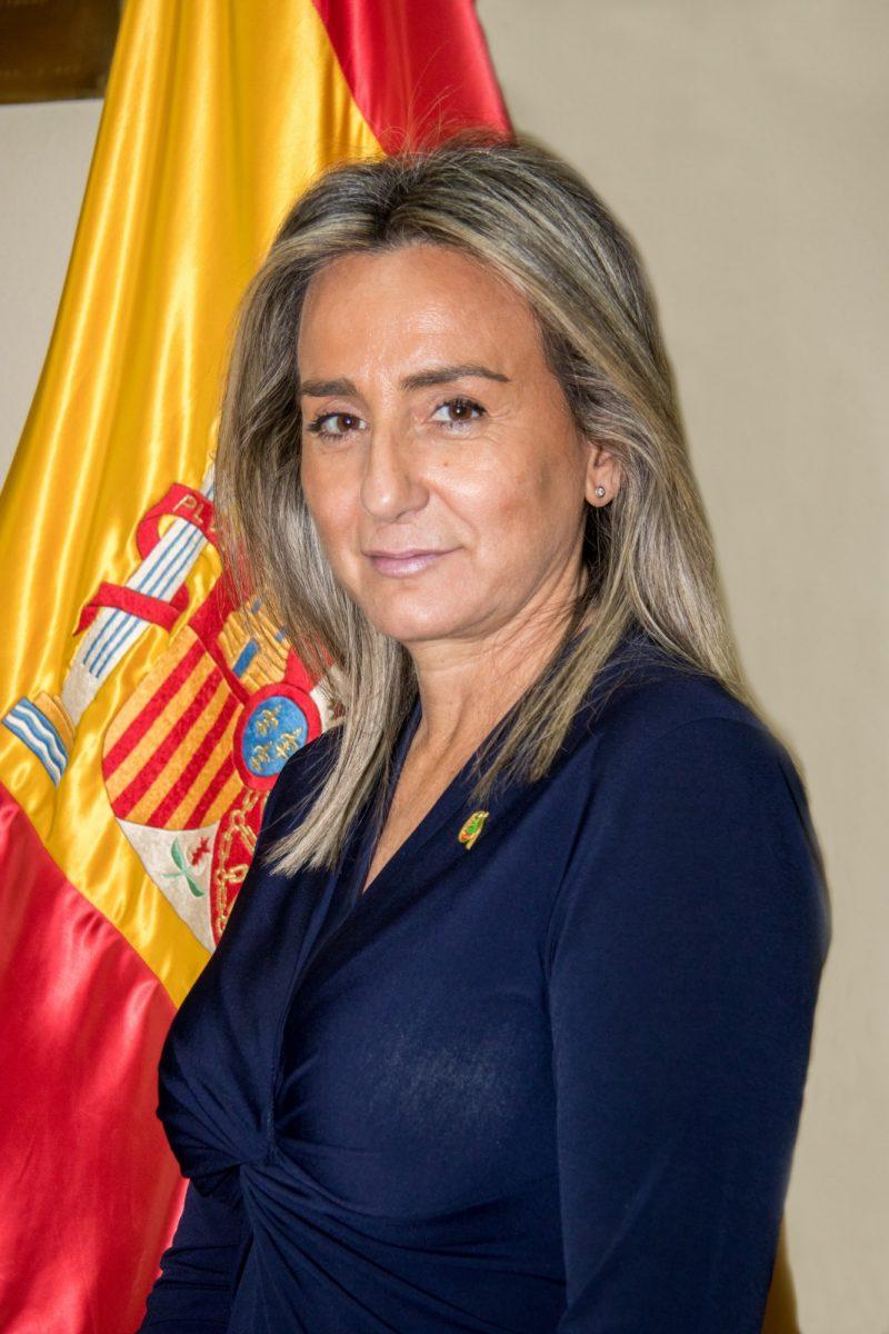 http://www.toledo.es/wp-content/uploads/2019/12/milagros_tolon-800x1200.jpg. La Constitución que nos ha guiado a la modernidad y la libertad