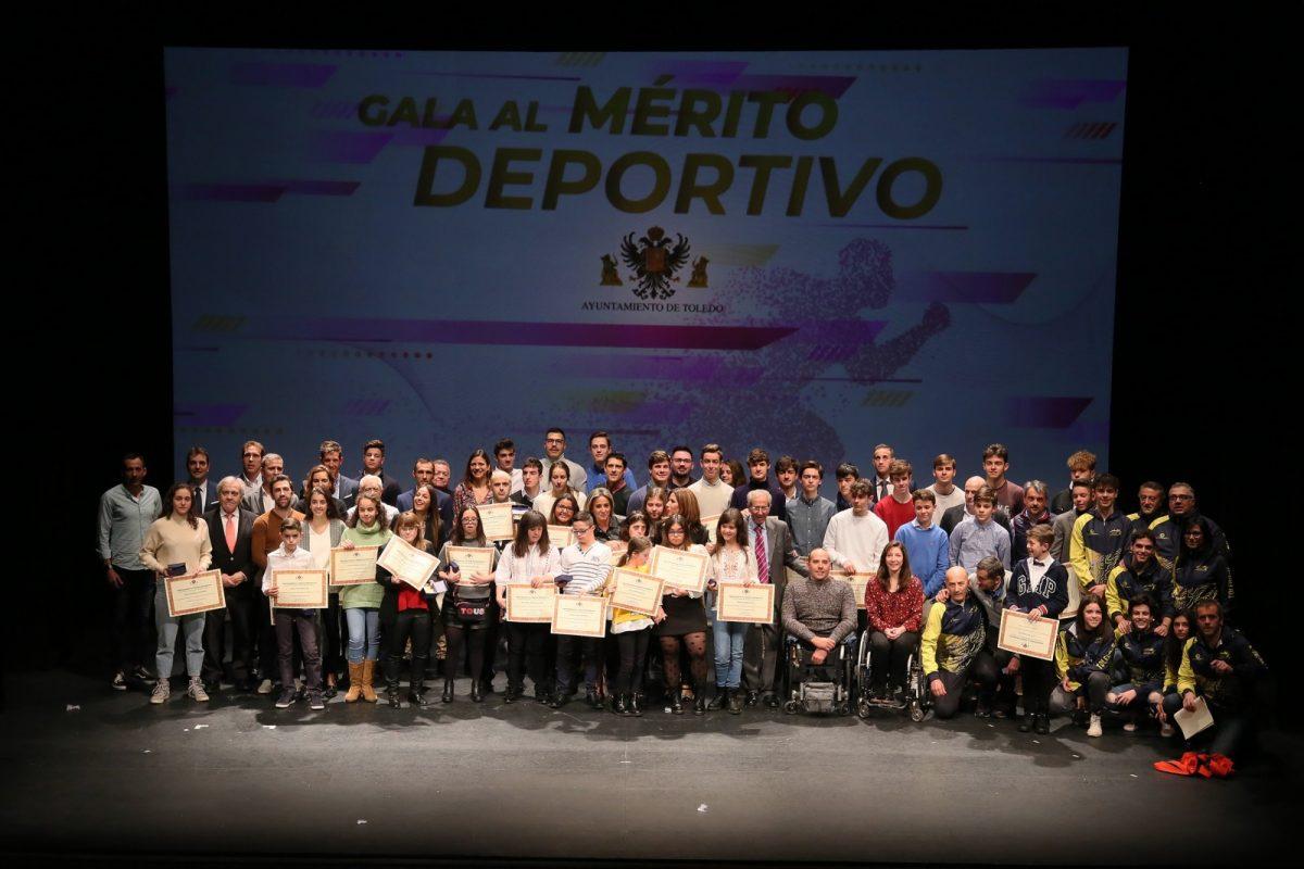 """http://www.toledo.es/wp-content/uploads/2020/01/12_gala_deporte-1200x800.jpg. La alcaldesa a los deportistas toledanos: """"Cuando alcanzáis el triunfo, Toledo también sube al pódium"""""""