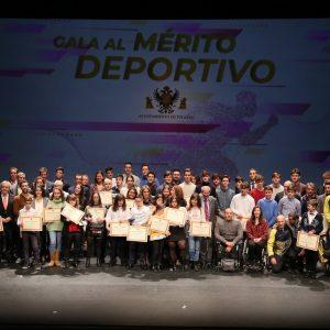 """a alcaldesa a los deportistas toledanos: """"Cuando alcanzáis el triunfo, Toledo también sube al pódium"""""""