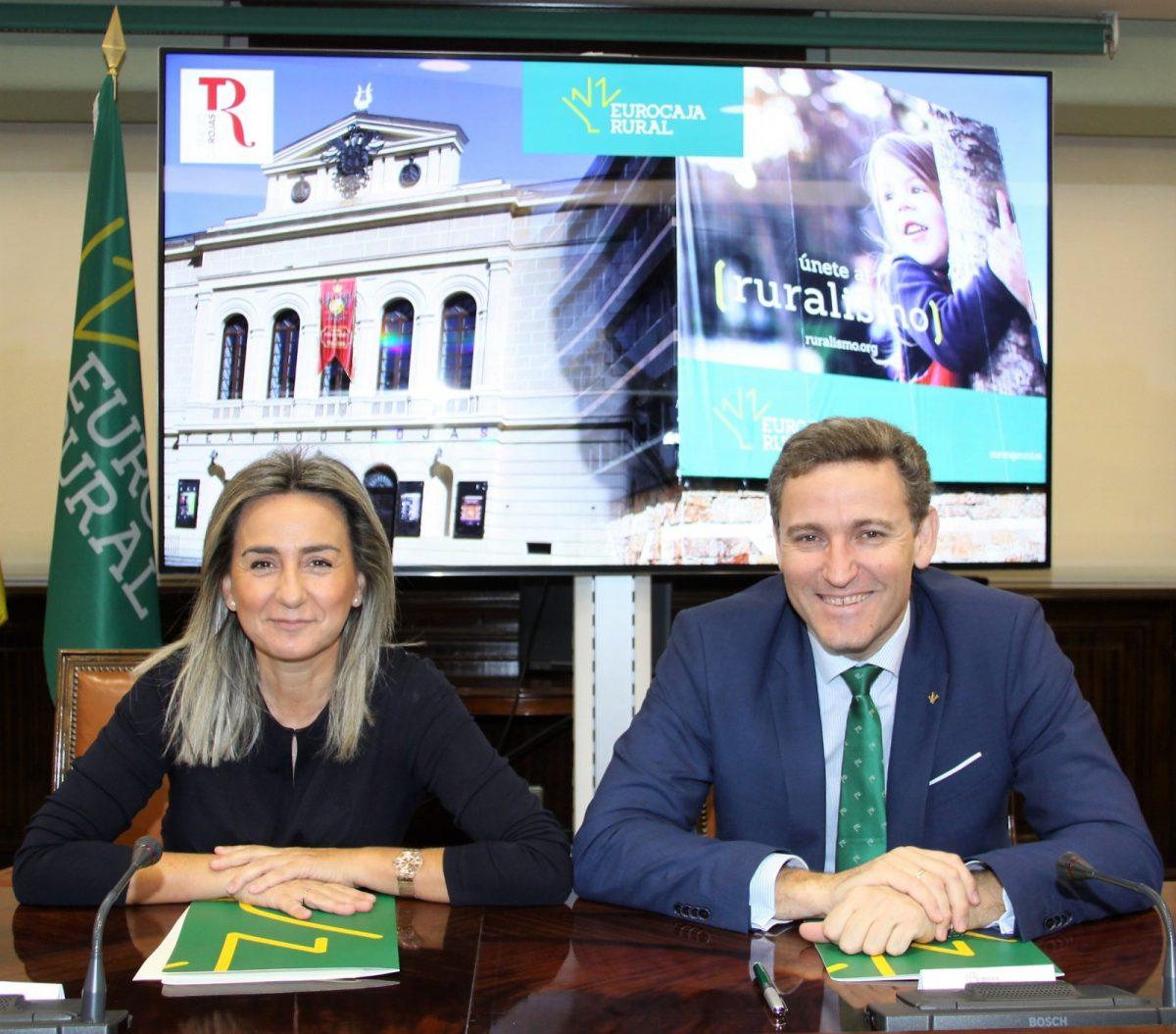 http://www.toledo.es/wp-content/uploads/2020/01/20200109-convenio-teatro-de-rojas-1200x1055.jpg. El Ayuntamiento y Eurocaja Rural prolongan su colaboración para la programación del Teatro de Rojas hasta el año 2022