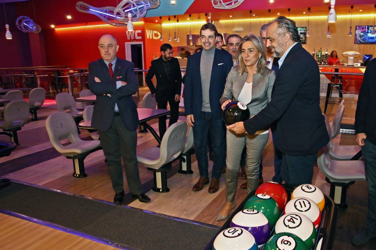 http://www.toledo.es/wp-content/uploads/2020/01/6_bolera-1200x800.jpg. La alcaldesa destaca la apertura de un nuevo espacio de ocio en el Parque Comercial Abadía y la creación de empleo y oportunidades