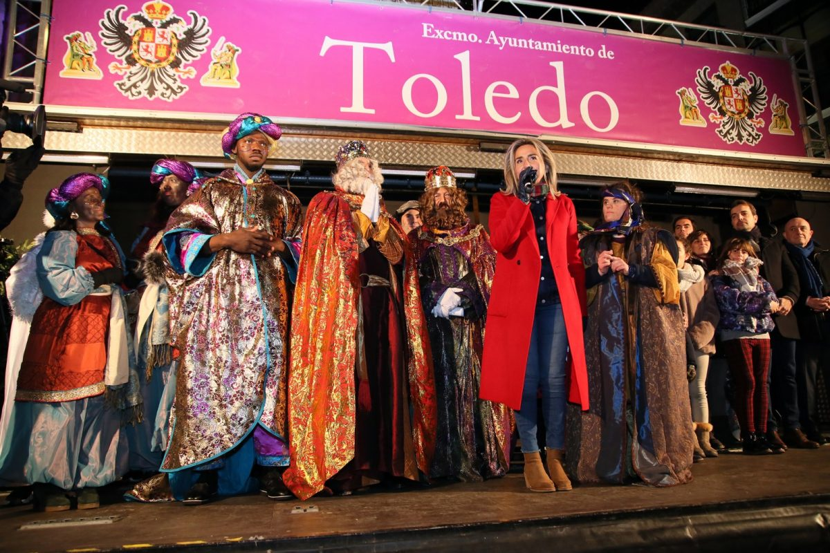 https://www.toledo.es/wp-content/uploads/2020/01/756a4858-cabalgata_reyes-1200x800.jpg. Sus Majestades cumplen un año más con los toledanos en el gran cortejo de la ilusión en una fantástica tarde-noche de Reyes