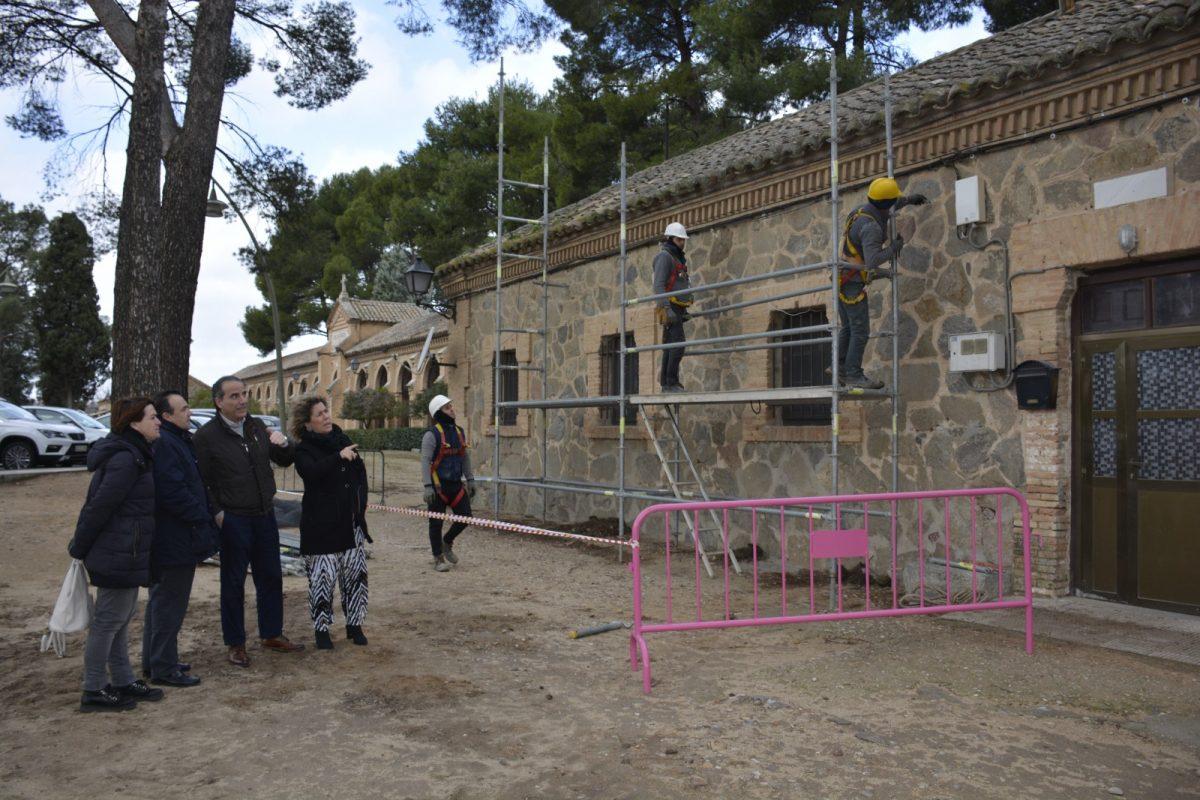 http://www.toledo.es/wp-content/uploads/2020/01/dsc0413-1200x800.jpg. El Ayuntamiento acomete el retejado y la limpieza de cubiertas en el Cementerio Municipal de Toledo