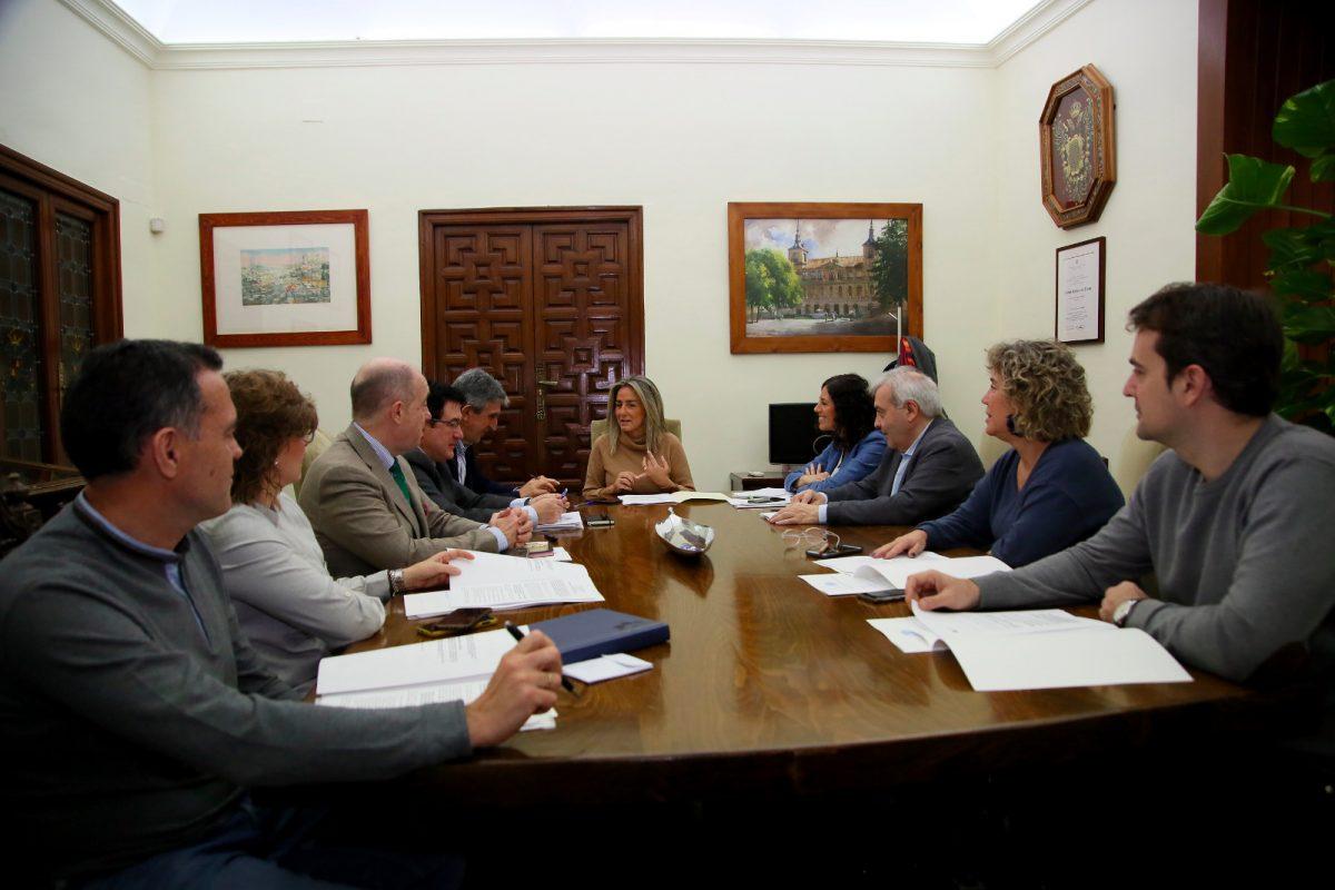 https://www.toledo.es/wp-content/uploads/2020/01/jgl20200129-1200x800.jpeg. La Junta de Gobierno aprueba presentar la renovación del alumbrado de la calle Río Guadarrama a una convocatoria de la UE