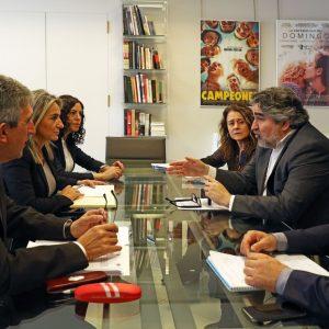 ilagros Tolón informa al ministro Rodríguez Uribes de los proyectos municipales en materia cultural y deportiva